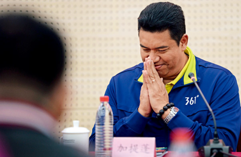Kiattipong, the former head coach of the Thai women's volleyball team, at a press conference announcing his new position as the head coach of the BAW Women's Volleyball Club on Oct. 26, 2015.