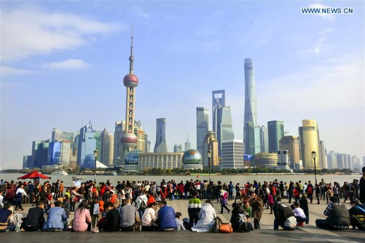 China spring fest travel bund.jpg